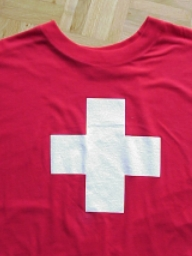 T-Shirt rot<br>CH<br>Kindergr. 104 3-4 Jahre